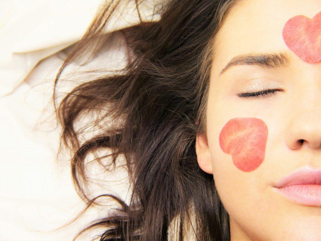 טיפול פנים לאישה