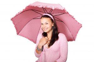 אישה עם מטרייה