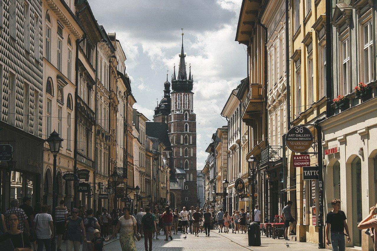 כמה עולה לעשות אזרחות פולנית לילדים